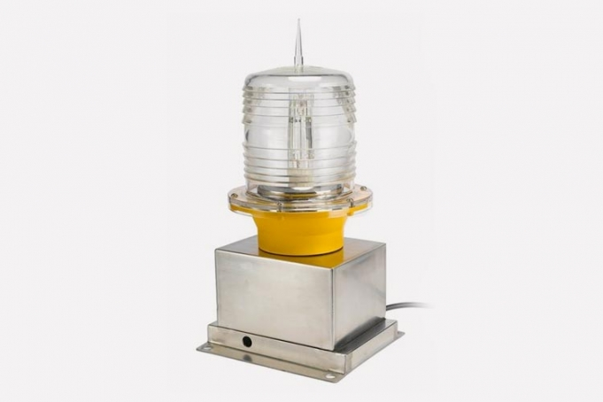 helicopter helipad warning light to guide pilots to safety