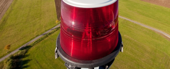 a picture of aircraft warning light non-compliant aircraft obstruction lights